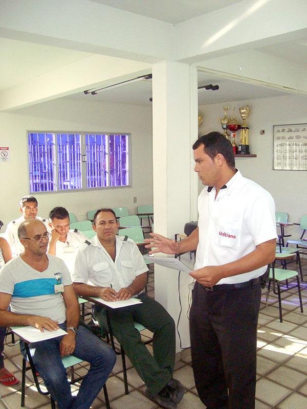 Charles Queiroz_instrutor Unitrans